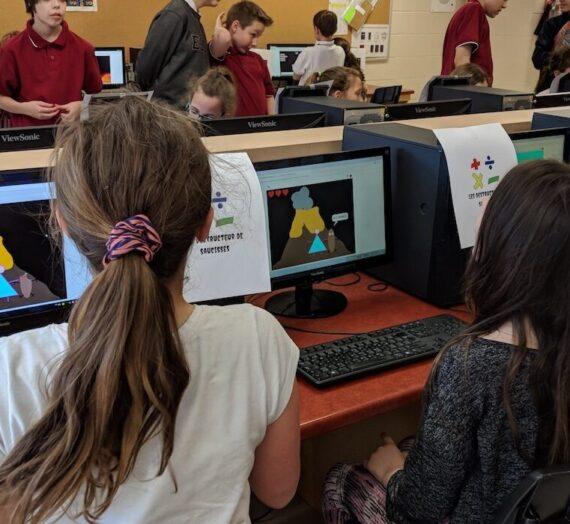 Des testeurs de jeux vidéo du primaire à l'école secondaire des Hauts-Sommets