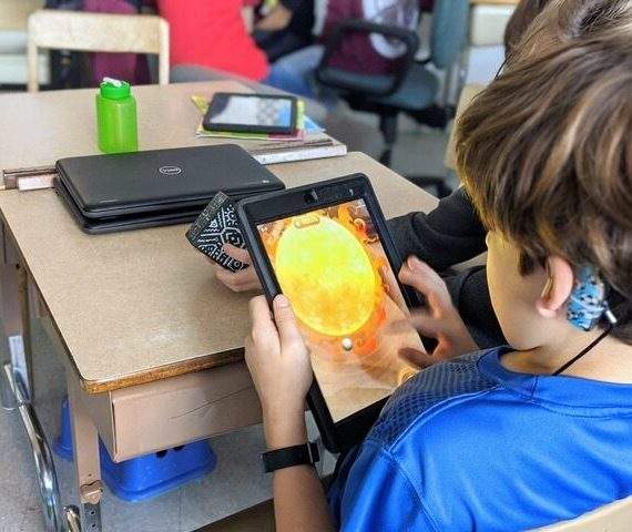 On explore le système solaire à l'école Sainte-Thérèse-de-l'Enfant-Jésus